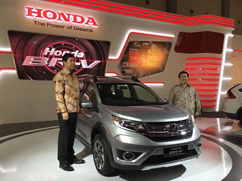 Honda BR-V Prototype Tampil Untuk Pertama Kalinya Di Indonesia Timur Pada Pameran Otomotif Makasar 2015